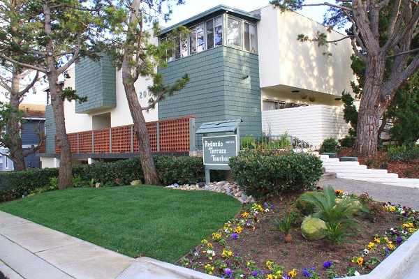 Redondo Terrace Townhouses - 2000 Farrell Avenue, Redondo Beach